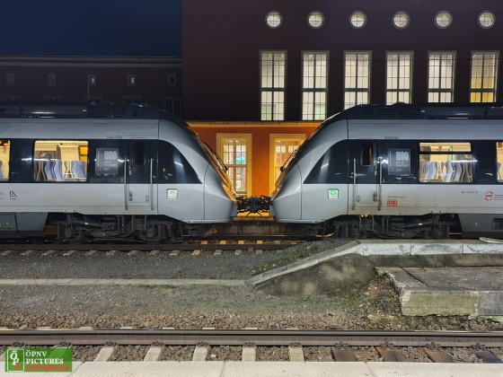 2 gekoppelte Talent 2 Züge in Dessau [BR 442]