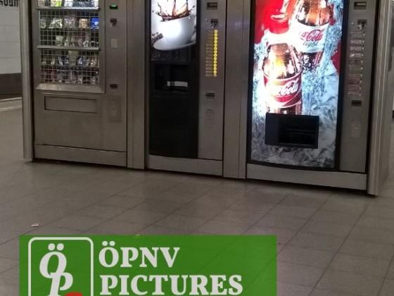 Automaten an einem S-Bahnsteig in Berlin
