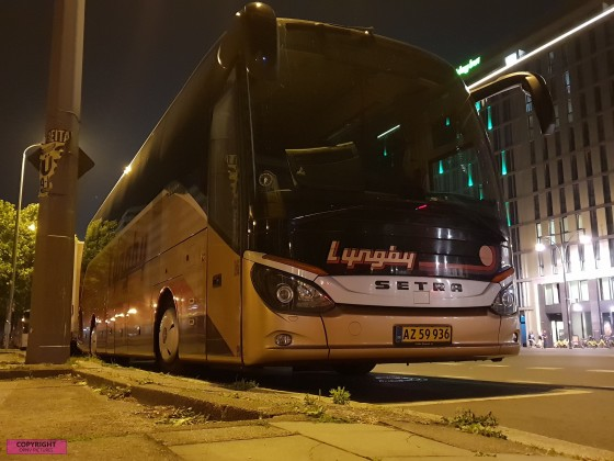 Setra S 516 HD am Holiday Inn Hotel