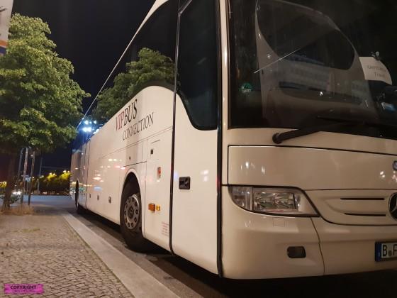 Mercedes Benz Tourismo am Alexanderplatz