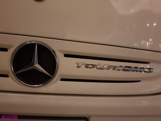 Mercedes Benz Stern mit Tourismo